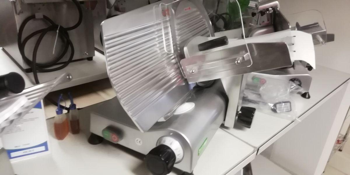 Nářezový stroj pr. 300 mm